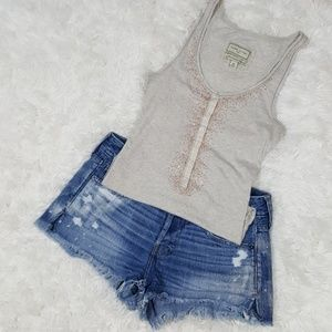 Abercrombie & fitch top & cut off jean shorts 25